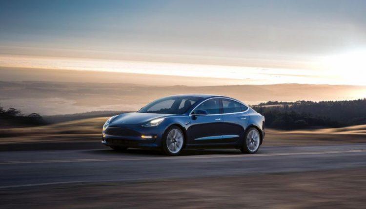 بررسی تسلا مدل 3؛ ارزانترین خودروی اسپرت برقی دنیا
