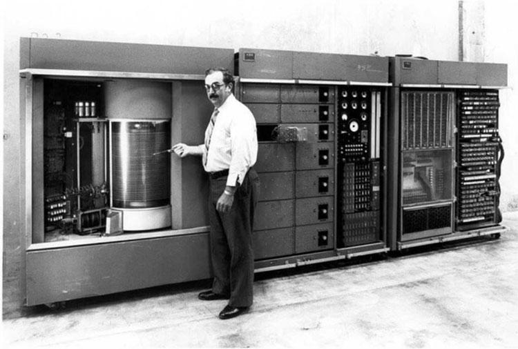 اولین هارد درایو IBM