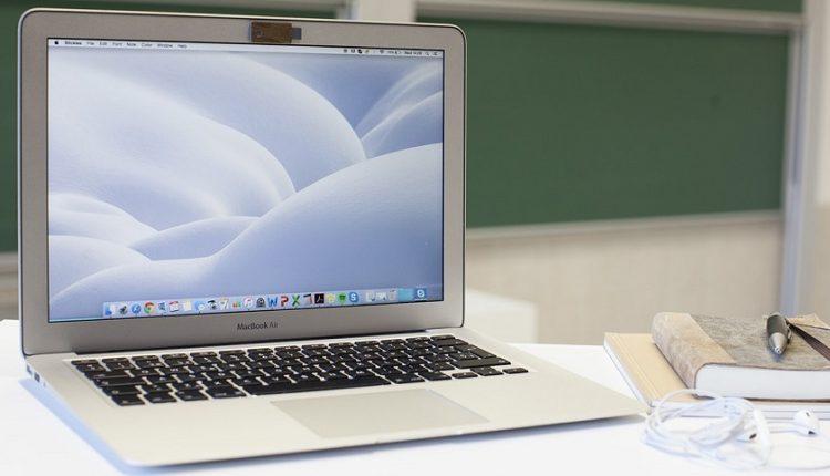 پوشاندن وبکم لپ تاپ تا چه حد لازم و موثر است؟! [تماشا کنید]