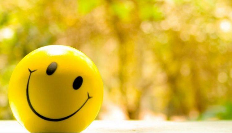 اگر با پول نمی توان شادی را خرید، با چه چیزی می شود؟