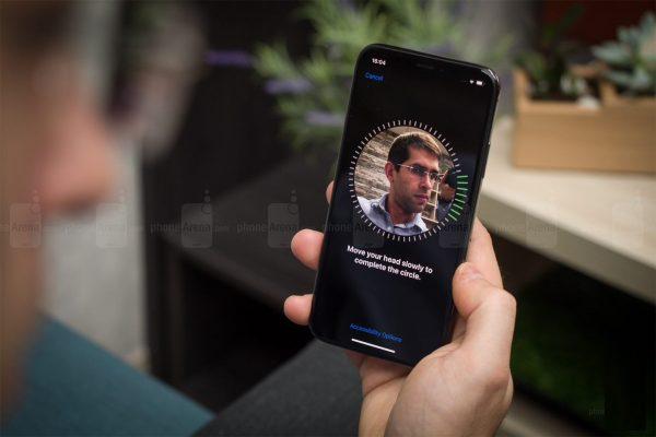 iphone 9 face id 600x400 - مروری بر همه ویژگیهای مورد انتظار در آیفون 9