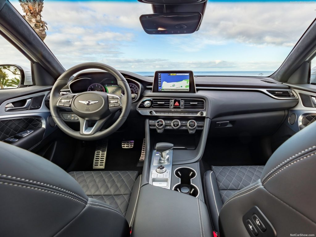 G70 interior 1024x768 - نگاهی به هیوندای جنسیس G70 مدل 2019