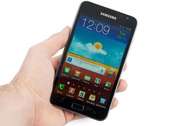 Samsung Galaxy Note review 600x426 - گلکسی نوت 10 ساخته میشود یا نوت 9 آخرین مدل از این سری خواهد بود؟!