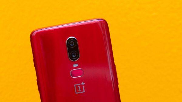 oneplus 6 red 600x338 - چرا قیمت آیفونها و گوشیهای اندرویدی سال به سال بیشتر میشود؟