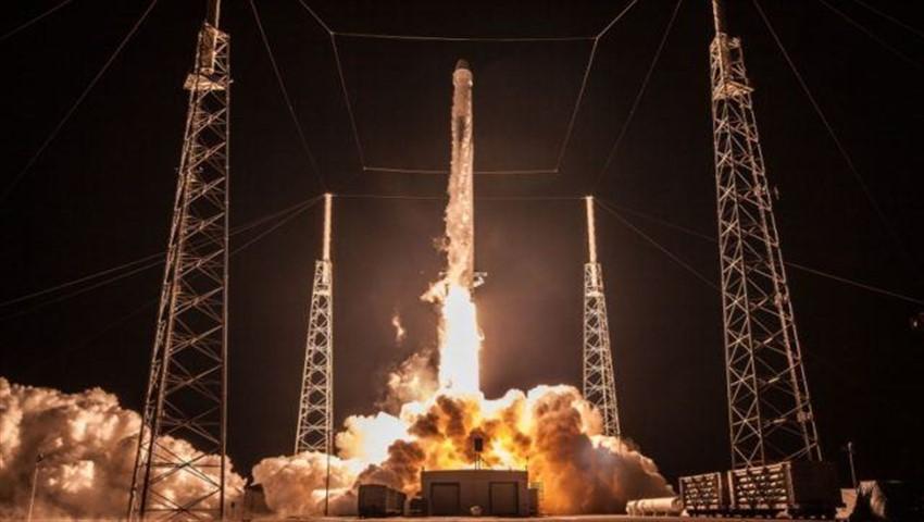SpacX Worlds first tourist to Moon 640x391 850x480 - اسپیس ایکس اولین توریست را برای سفر به ماه میفرستد
