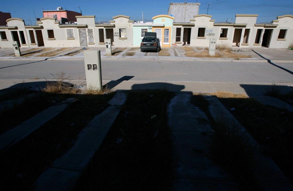 خانه های که به دلیل خشونت و کشتار در شهری در مکزیک خالی ماندهاند