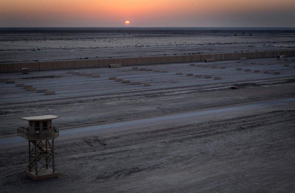 تصویری از کمپ ایالات متحده در نزدیکیناصریه عراق که مدتهاست متروک مانده است