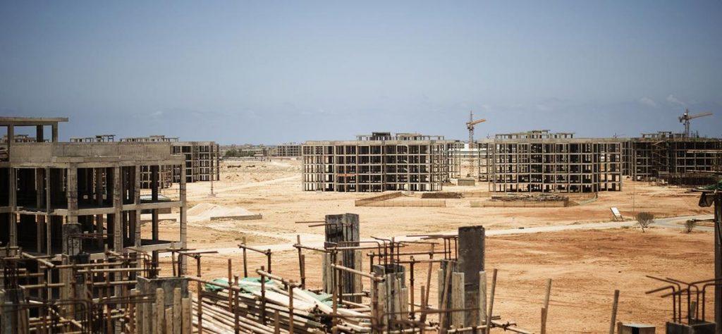 پروژه نیمه تمام و رها شده در یکی از شهرهای لیبی