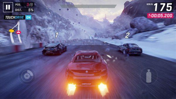 Asphalt 9 Gameplay 600x339 - 3 بازی ماشین سواری برتر موبایلی که در سال 2018 میتوانید تجربه کنید