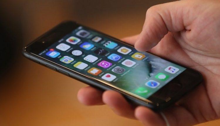 واردات گوشی همراه مسافری منوط به داشتن بلیط سفر شد