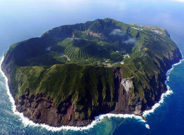 مکانهای دیدنی جهان:جزیره آتشفانی آگوشیما