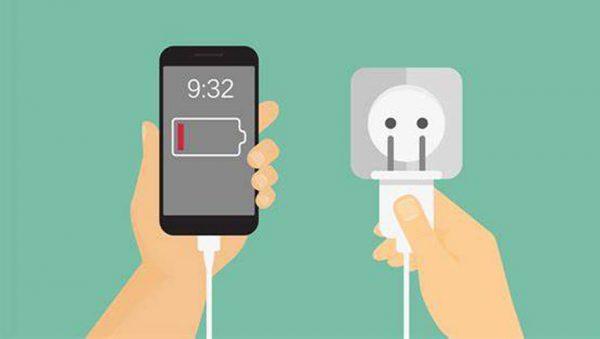 شارژ گوشی در شب