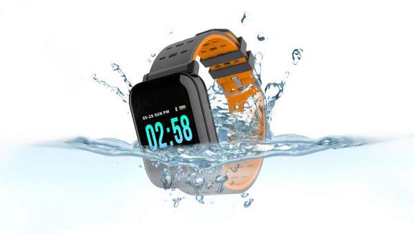 ضد آب بودن ساعت هوشمند
