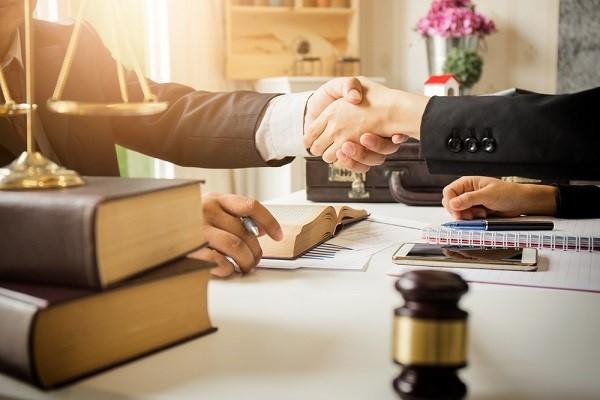 وکیل خوب برای مهاجرت