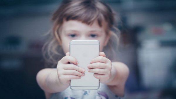تاثیر صفحه نمایش بر ذهن کودکان