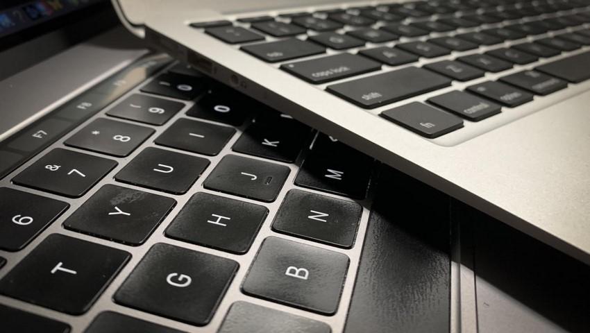 صفحه کلید لپ تاپ چرا از کار افتاده است؟