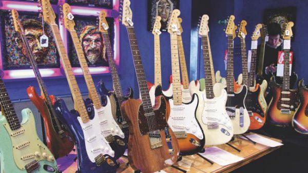 گیتارهای الکتریک افسانه ای فندر