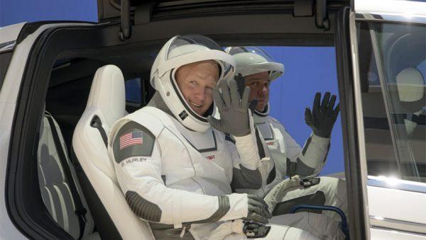 فضانوردان کرو دراگون اسپیس ایکس