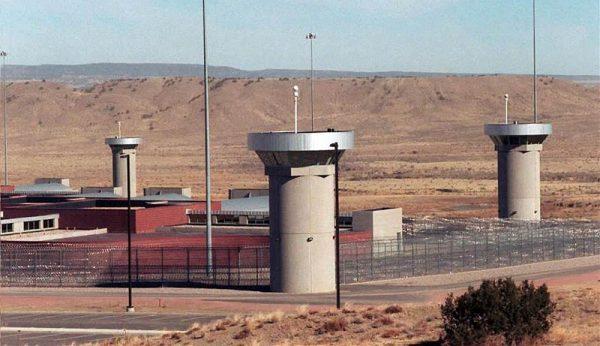توماس سیلورستاین و زندان آمریکا