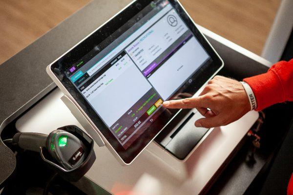 تاثیر تکنولوژی بر بهبود کسب و کار خورده فروشی