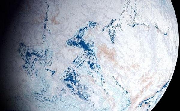 زمین همچون یک گلوله برفی