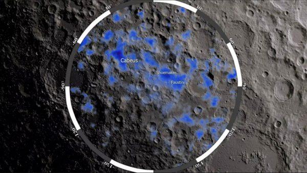 وجود آب در کره ماه