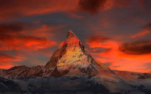 وجود کمتر از ۱۵ درصد کوههای آلپ در سوئیس