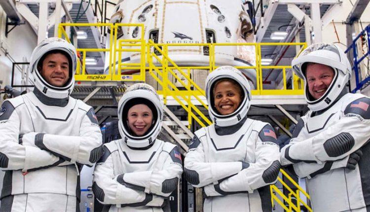 اولین سفر فضایی تفریحی اسپیس ایکس